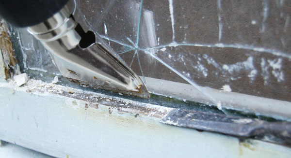 How To Use Putty For Widow Repairs